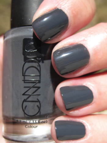 Cnd Colour Effects Featuring Asphalt Vampy Varnish