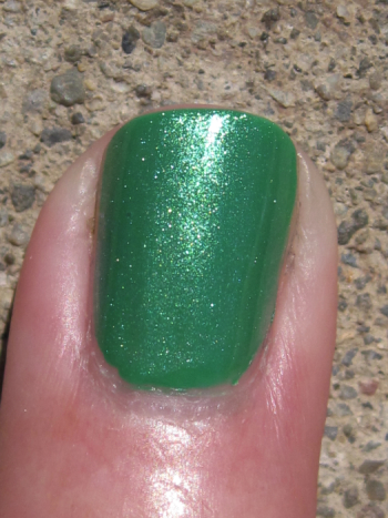 CND Green Scene with Emerald Shimmer
