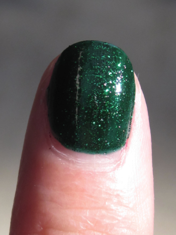 China Glaze Emerald Sparkle Macro