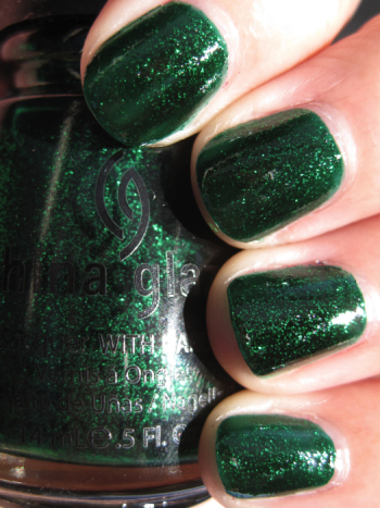 China Glaze Emerald Sparkle Vampy Varnish Favs Featuring: Green