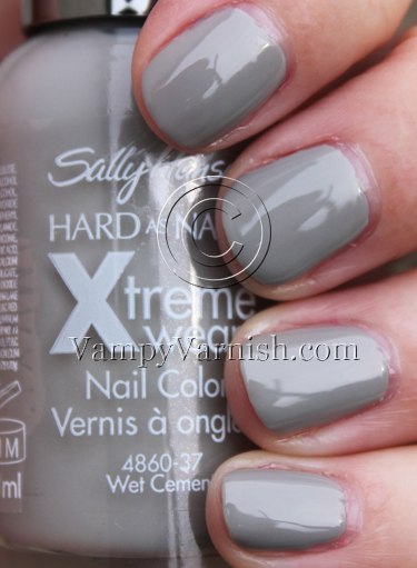 Sally Hansen Wet Cement Vampy Varnish Favs Featuring: Grey