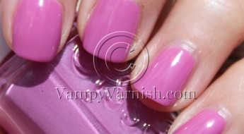 Essie Splash Of Grenadine copy