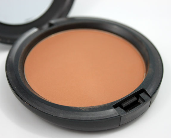 MAC Studio Careblend Powder Dark