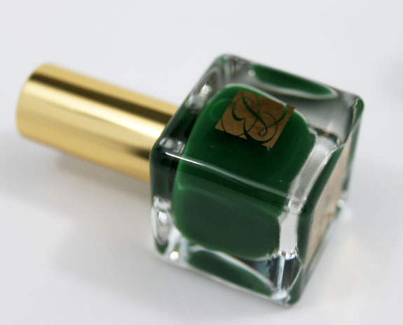 Estee Lauder Pure Color Nail Lacquer Wicked Green