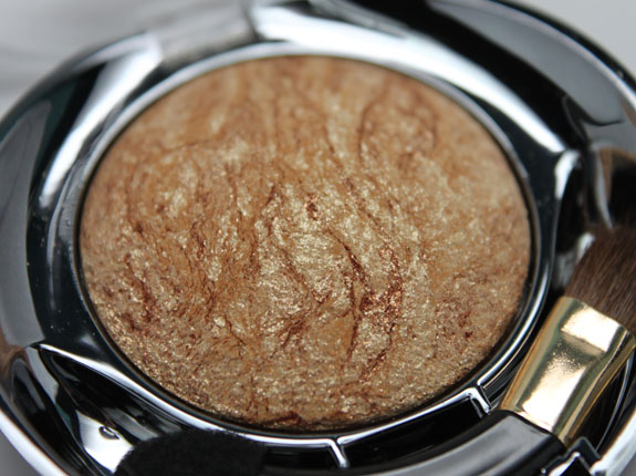 MIlani Baked Eyeshadow Drench In Gold