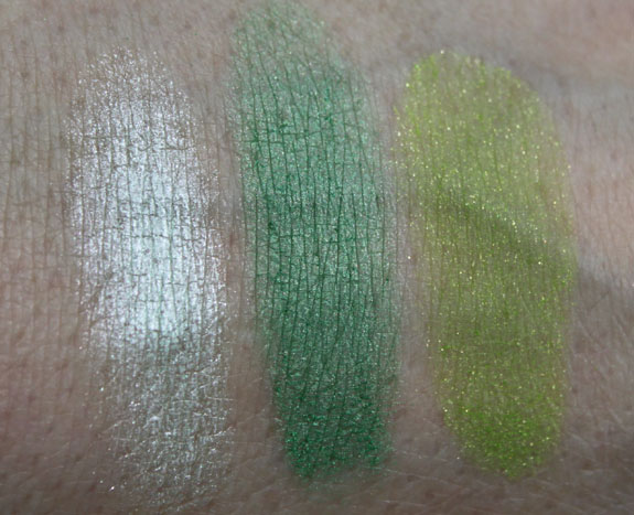 Wet n Wild Color Icon Eyeshadow Trio I Dream Of Greenie Swatch