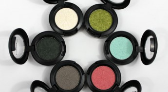 MAC-Fashion-Flower-Eye-Shadow.jpg
