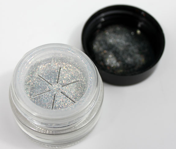 Too Faced Glamour Dust 4