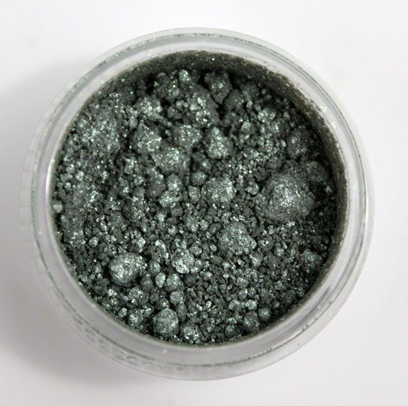 MAC Surf Baby Crshed Metallic Pigment Surf The Ocean 4