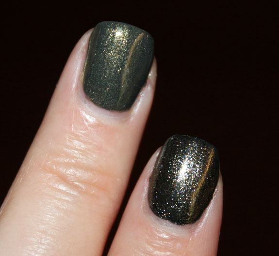 Zoya Edyta vs Diamond Cosmetics Never So Ever Green Swatch 3