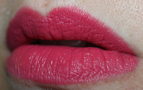 Wet n Wild Megalast Lipcolor Smokin Hot Pink