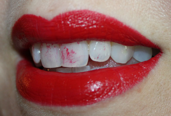 Lipstick on teeth 2 how not to wear lipstick and lipliner vampy varnish
