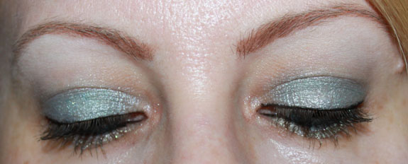 MAC Me Over Icelandic Cool Look 4