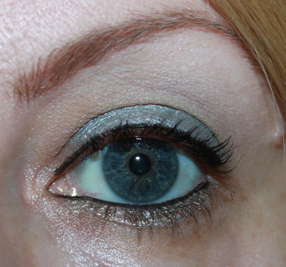 MAC Me Over Icelandic Cool Look 5