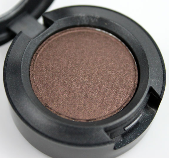 MAC Me Over MAC Basics Eye Shadow Carbonized