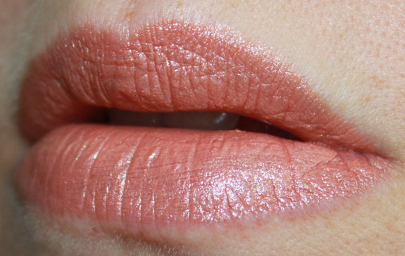 Nuance Color Vibrance Lipstick in Shimmering Nude