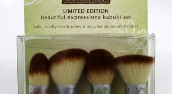 Ecotools-Beautiful-Expressions-Kabuki-Set-2.jpg