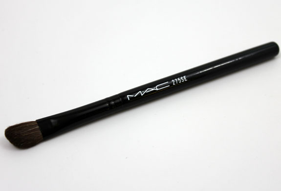 MAC Ice Parade Iced Delights Eye Bag Pearl 272SE