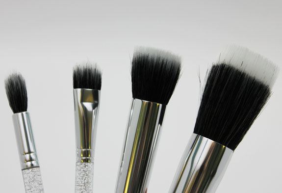 MAC Ice Parade Make It Perfect Brush Kit Mineralize 3