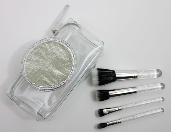 MAC Ice Parade Make It Perfect Brush Kit Mineralize