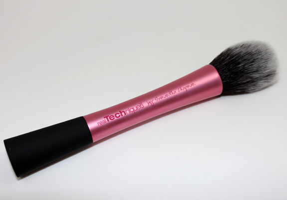 Real Techniques Blush Brush 3