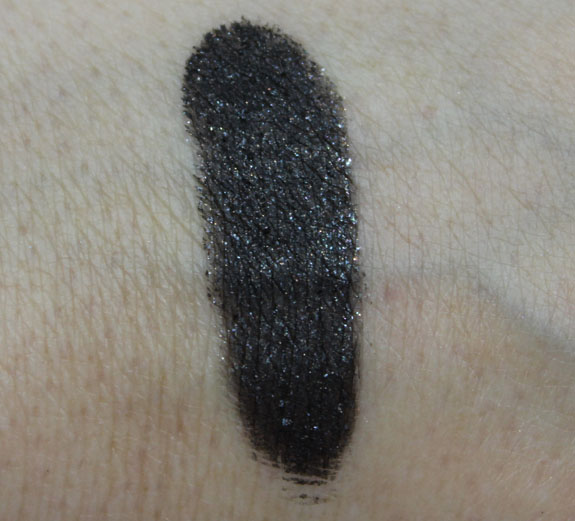 Stila Black Cat Swatch