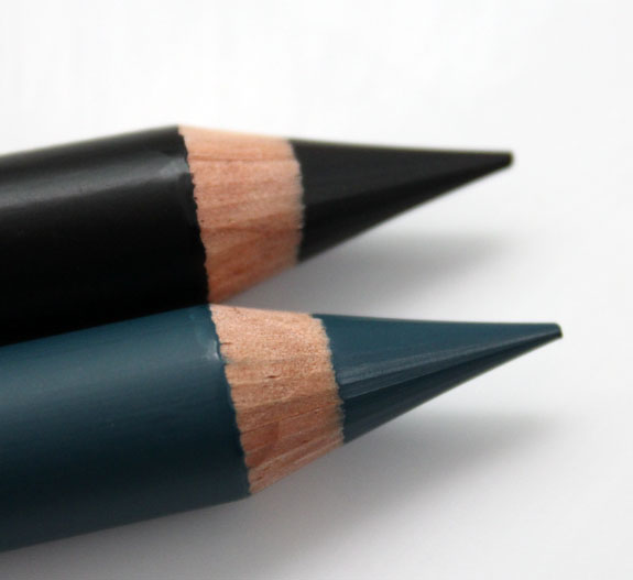 Estee Lauder Pure Color Intense Kajal Eye Crayon 2
