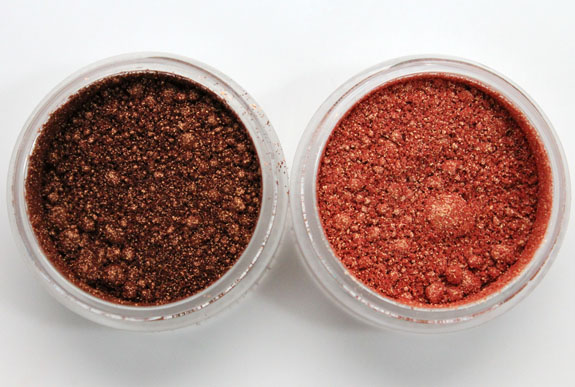 MAC Vera Crushed Metallic Pigment Lantern Light and Campfire