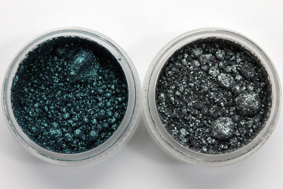 MAC Vera Crushed Metallic Pigment Rain Drop and Moss Garden