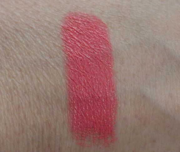 MAC Viva Glam Nicki Swatch