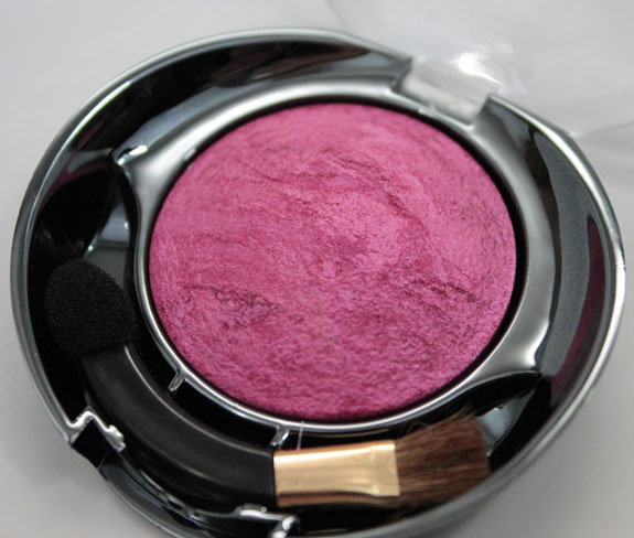 Milani Baked Eyeshadow Must Have Fuchsia 2