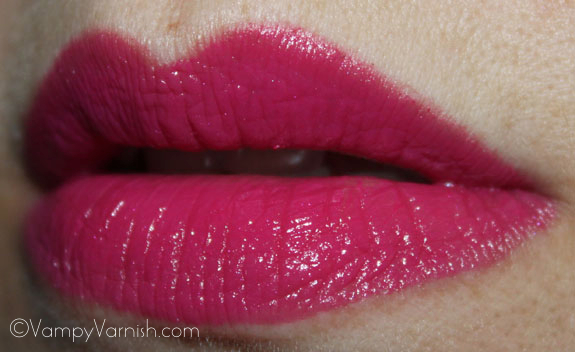 MAC Girl About Town Lipstick MAC Fashion Sets Collection Swatches, Photos & Review