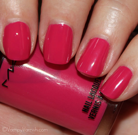MAC Girl About Town Nail Lacquer MAC Fashion Sets Collection Swatches, Photos & Review