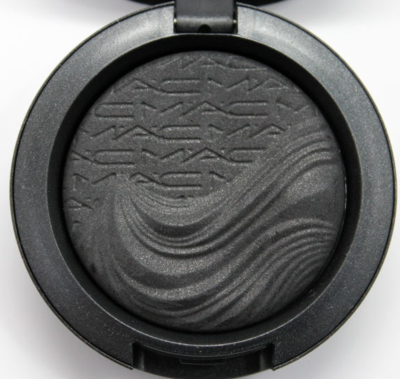 MAC In Extra Dimension Skinfinish Eye Shadow Dark Dare