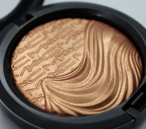 MAC In Extra Dimension Skinfinish Glorify 2