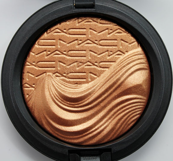 MAC In Extra Dimension Skinfinish Glorify