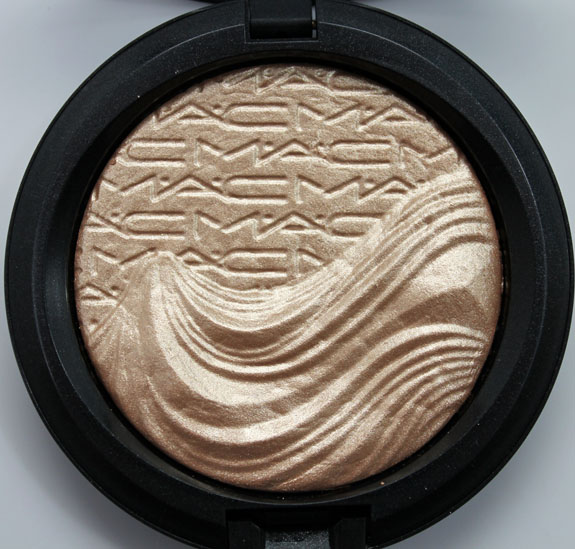 MAC In Extra Dimension Skinfinish Whipser Of Gilt
