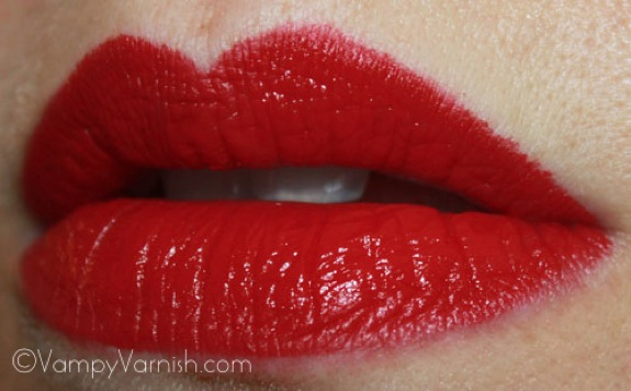 MAC Russian Red Lipstick1 MAC Fashion Sets Collection Swatches, Photos & Review