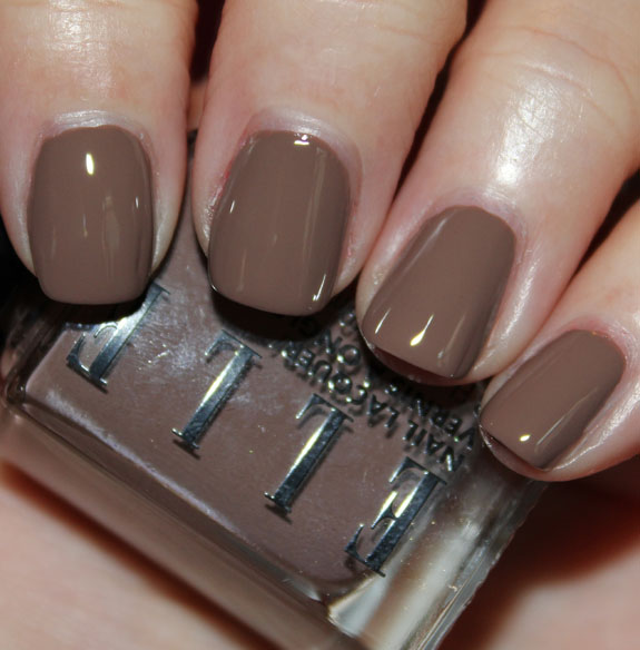 Elle Cosmetics Trouble in Taupe