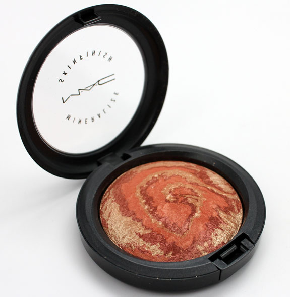 MAC Heavenly Creature Center Of The Universe Mineralize Skinfinish MAC Heavenly Creature Collection Swatches, Photos & Review