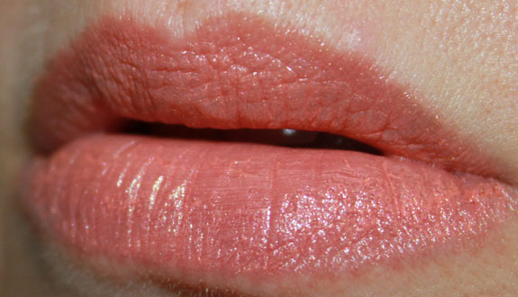 MAC Pleasure Seeker Lipstick Swatch