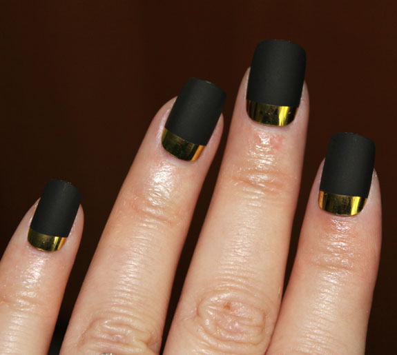 MAC Ruffian Gold Nails 3