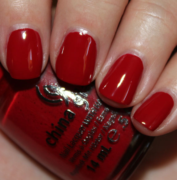 China Glaze Adventure Red y