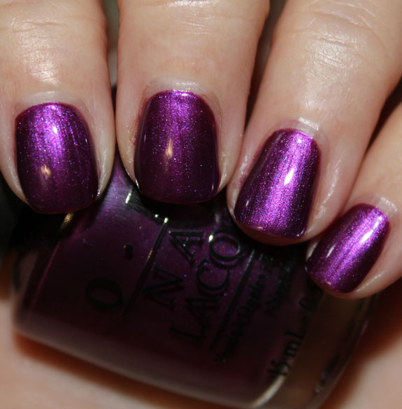 OPI Suzi  The 7 Dusseldorfs