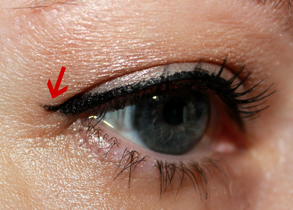 My eyelid has 2 creases which makes matching makeup to the ...