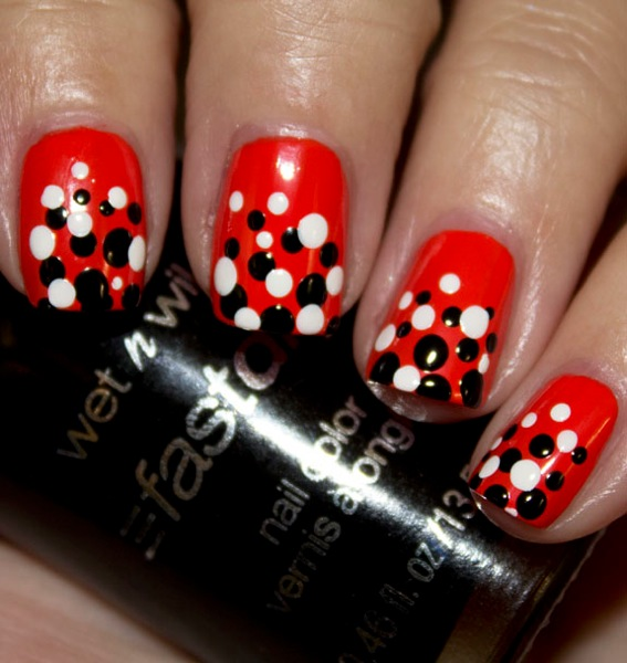 Halloween dot nails 2