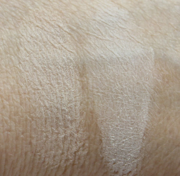 CoverFX Blotting Powder  Matte Setting Powder Swatches