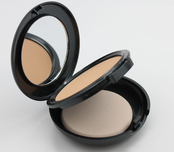 CoverFX Pressed Mineral Foundation N35 2