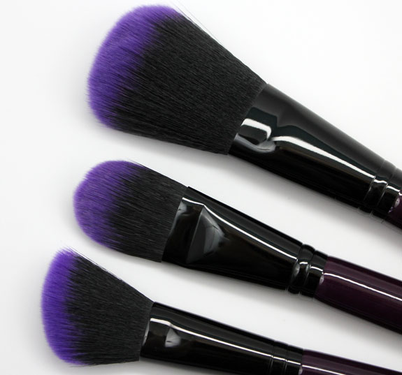 Furless Cosmetics Purple Power Brush Set 5