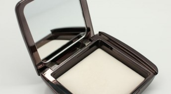 Hourglass Ambient Lighting Powder in Ethereal Light-2